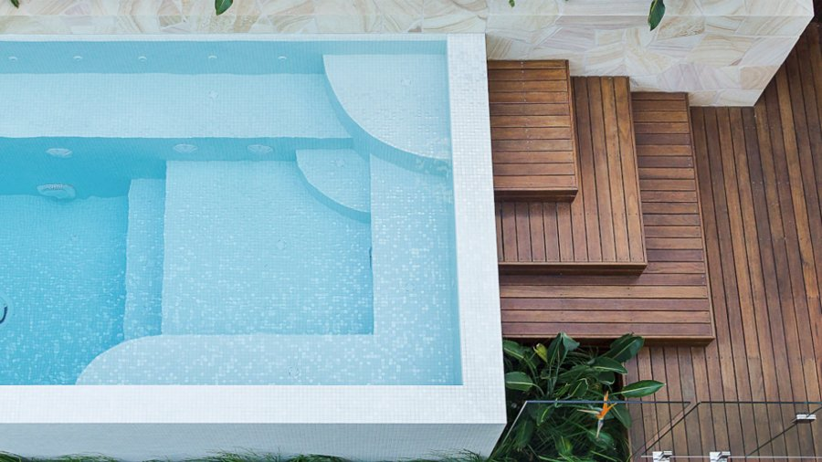 "A Hisbalit-tiled pool wins the Gold in the ""Awards of Excellence 2018"" in Australia"