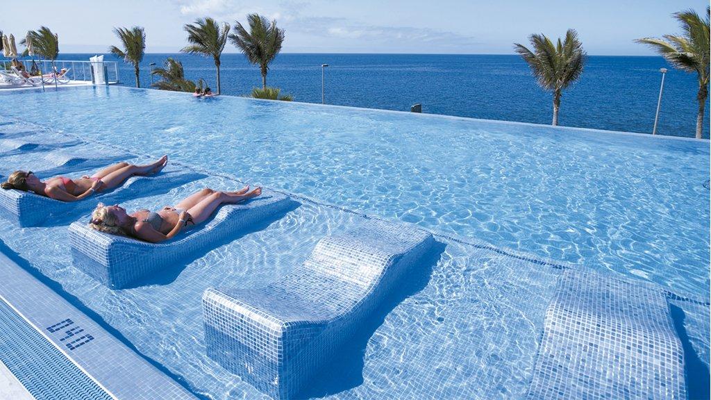 Hotel riu gran canaria club hisbalit mosaico hispano - Hotel pueblo astur ...
